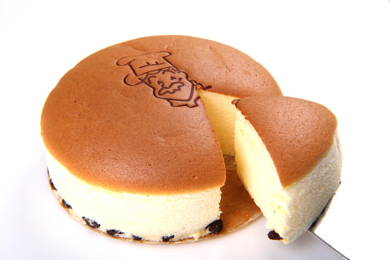 お取り寄せ(楽天) りくろーおじさんの店 焼きたてチーズケーキ 18cm 6号サイズ 2個入り 価格2,920円 (税込)